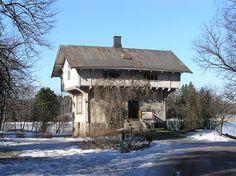 Traditional Finnish house, Seurasaari island, Helsinki by Chimp, via Flickr