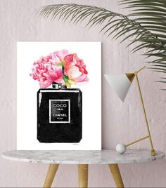 Fashion poster, black perfume, peonies peony, fashion illustration, watercolor, The watercolor blur is meant to be there-  ♥This file is for PERSONAL use only and may NOT be transferred or sold in any way ♥  - Dimensions: select from drop down menu - 8x10 inches 12x16 inches, 12x18 inches,16x20 inches,18x24 inches - 24x36 inches is available, please message for new listing. - Printed on archival, acid-free paper. - Museum-quality posters made on thick, durable, matte paper. - Most art comes… Black Perfume, Fashion Wall Art, Bathroom Wall Art, Watercolor Fashion, Blue Hydrangea, Pink Art, Chanel, Poster Making, Red Poppies