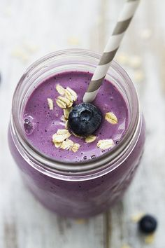 Berry Oat Breakfast Smoothie - Creme De La Crumb
