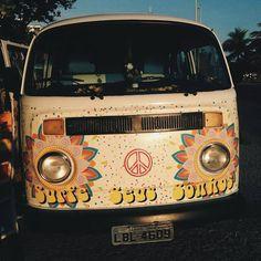 Cute hippie bus ☮️