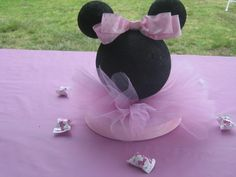 Minnie Mouse bay party centerpiece
