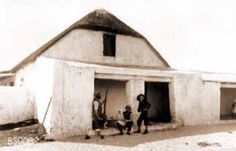 Vintage Historical Cape Town photos - old pictures of Cape Town Old Pictures, Old Photos, Backpacker, Cape Town, South Africa, Gazebo, Old Things, Outdoor Structures, History
