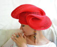 Купить или заказать Шляпа 'Вдохновение' в интернет-магазине на Ярмарке Мастеров. Женщины в красных шляпах вдохновляли мужчин на повышенное внимание, художников - на создание шедевров, поэтов - на лирику. Красный - цвет жизни, активности, позитива. Этот оттенок идеален для различных цветовых сочетаний. Живите с настроением! Поля упругие, восстанавливают форму после хранения в пакете. Вошла в коллекции 'Красный цвет', 'Бабье лето', 'Живи ярко!!!