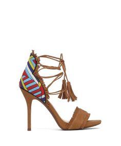 Jessica Simpson Kahverengi Süet Yüksek Topuklu Sandalet #sandalet #yuksektopuklusandalet #açıkayakkabı #bantlıayakkabı #yazlıkayakkabı #derisandalet #yüksektopukluderisandalet #heels #highheels #sandals #fashion #trend #style #look #moda #2016modası