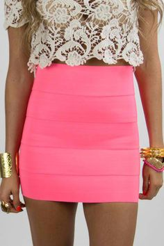 Love this! I've been looking for ways to incorporate neon into my wardrobe without going overboard. This is just the right amount of hot pink!