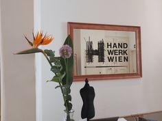 Heute gibt es noch einmal Blumen! Eine liebe Kundin von uns hat sich damit für unsere Arbeit bedankt und wir wünschen heute damit allen Müttern, Großmüttern und Urgroßmüttern einen wunderschönen Muttertag! 🌺🌸🌼 Frame, Instagram, Home Decor, Mother's Day, Love, Flowers, Nice Asses, Picture Frame, Decoration Home
