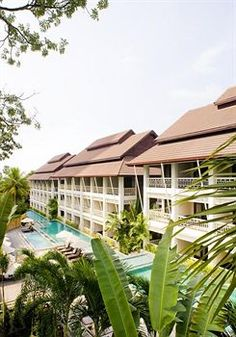 Pullman Pattaya Hotel G is located close to The Sanctuary of Truth, Tiffanys Show Pattaya, and Pattaya City Hall.
