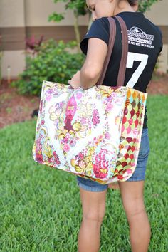 Laminated Tote by Blue Susan Makes - The Seasoned Homemaker
