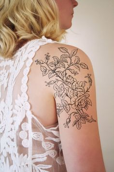 With this floral temporary tattoo you will make a statement for sure. I love floral tattoos with a vintage feel to it and this vintage drawing of