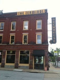 This brewery is next door to the Choo Choo Hotel in Chattanooga, TN. It has fabulous beer, food, and vibe.
