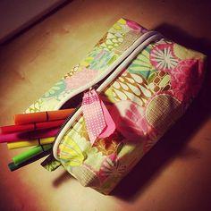 Celle d'hier  était trop petite ... alors voici une seconde plus grande pour Malohé  au CP  #couture #sewing #homemade #faitmain #fabric #tissuaddict #fille #girls #janome #8077 #troussedecole #pourmalohe #malohecp2015 by stelafait