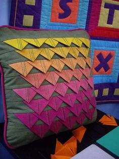 prairie points - I would love to do something like this for a dragon scale quilt.