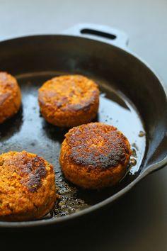 AMAZING Sun-dried Tomato Herbed CHICKPEA BURGER! Hearty, 10 ingredients, SO flavorful! #vegan #veggieburger #recipe