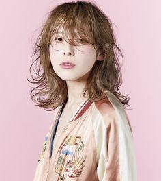 髪型 ヘアスタイル Asian Bangs, Pose Reference Photo, Medium Long Hair, New Haircuts, Hair Images, Many Faces, Love Hair, Hair Cuts, Hair Color