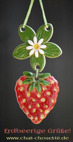 Erdbeere - Dekohänger aus Keramik von Chat Chouette auf DaWanda.com