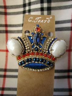 Купить Брошь корона - брошь корона, вышитая брошь, синий, брошь со стразами, винтаж
