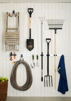 Use a simple storage unit to hold and organise garden tools and gardening essentials so that everything is easily accessible organisation uk Elfa Starter Pack - Shed Organiser 1 - Elfa Garage & Workshop Storage Garage Organisation, Garage Storage Systems, Organization Hacks, Organizing Tips, Organized Garage, Garden Tool Storage, Shed Storage, Garden Tools, Storage Ideas