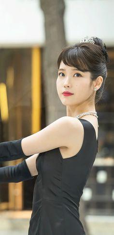 아이유 호텔델루나 장만월 NEW 폰 배경화면 & 잠금화면 50장 (갤럭시 노트8, 노트9, S8, S9) Korean Star, Korean Girl, Beautiful Voice, Most Beautiful, Twice Jyp, Actress Wallpaper, Red Velvet Irene, Bae Suzy, Korean Actresses
