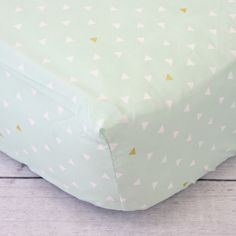 Mint and Gold Triangle Crib Sheet