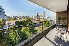 Alfresco dining at One Tower Bridge with incredible views of one of the world's most iconic landmarks, Tower Bridge. Apartment View, London Apartment, Berkeley Group, Penthouse London, Buy My House, Luxury Homes Dream Houses, Penthouses, Tower Of London, Al Fresco Dining