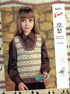 Original Vintage 1970s Pretty Girl Women Knitting Pattern Tank Easy Knitting, Double Knitting, Knitting Patterns, Crochet Patterns, 20th Century Fashion, Children Clothing, Knit Vest, Vintage Knitting, Striped Knit