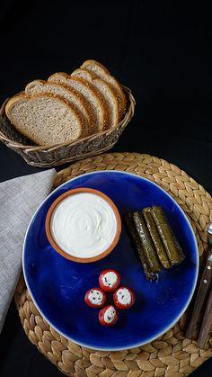 Ata Yoğurt ; Ata Peynir'in tüm ürünlerinde Bey Dağlarının 1700 metre üzerindeki yükseklikteki Taşkesik yaylasında kekik ve dağ çiçekleri ile otlayan hayvanların sütleri kullanılmaktadır. Ata Peynir çeşitleri mevsimine göre inek, koyun ve keçi sütünden, tam yağlı olarak üretilmektedir. #peynir #cheese #food #urav #selcuk urav #atapeynir #antalya #korkuteli #yogurt #tereyag #kaymak #sut #village #butter #cream #milk