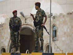 """#موسوعة_اليمن_الإخبارية l قوات حوثية عالية التدريب تتمركز بالقرب من منزل """"صالح"""" .. وصحيفة لندنية تكشف عما سيحدث خلال الساعات القادمة في…"""