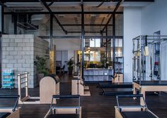 Jacobs-Yaniv Architects designs pilates studio for Paralympic swimmer
