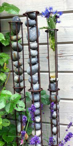 Keienhouder voor in de tuin als kunst