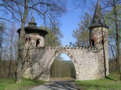 Ruin of Artur's Castle, Radostín