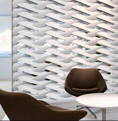 ZEPHYR Эта декоративная 3D перегородка создаёт на стене плетеный рисунок с нотками космической тематики. Такой рельеф гармонично впишется в современный минималистичный интерьер, где станет центральным декором и стильным украшением. Добавьте в своё жилище 3D панель «ZEPHYR» и ощутите энергию, которую она источает!
