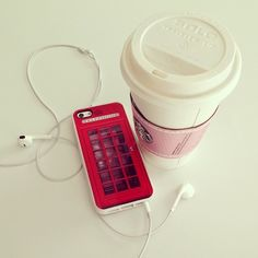 Imagen de starbucks, London, music, England, telephone booth, headphones and coffee
