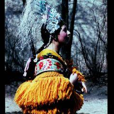 Matyo woman with wedding headpiece and scarf - Hungary Traditional Fashion, Traditional Dresses, Ethnic Fashion, European Fashion, Hungarian Women, Shaman Woman, Gypsy Culture, Bridal Headdress, Folk Costume