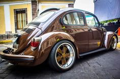 Best classic cars and more! Volkswagen New Beetle, Volkswagen Karmann Ghia, Vw Super Beetle, Jetta A4, German Look, Vw Vintage, Vw Cars, Buggy, Vw Beetles