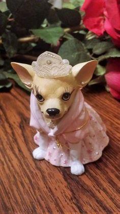 CHIHUAHUA Aye Chihuahua Wearing a Tiara 13355 Princess NEW - http://collectiblefigurines.net/aye-chihuahua/chihuahua-aye-chihuahua-wearing-a-tiara-13355-princess-new/