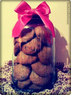 Galletas con chispas de chocolate. Receta aquí: http://blogsomosgolosos.blogspot.com/2013/12/galletas-con-chispas-de-chocolate.html