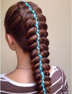 Hairstyle long hair with braid and blue tape - Peinado trenzado para cabello largo con cintas de color
