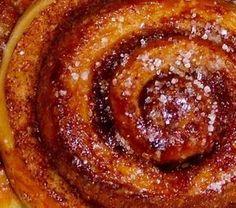 Ρολακια κανελας Sweet Buns, Sweet Pie, Sweets Recipes, Cake Recipes, Cooking Recipes, Greek Desserts, Greek Recipes, Greek Dishes, Bread And Pastries
