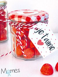 "A candy jar to say ""I love you"" - gifts Valentine Day Love, Valentines, Diy And Crafts, Crafts For Kids, Diy Cadeau, Cookies Policy, Candy Jars, Christmas Gifts, Parents"