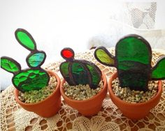 Stained Glass Cactus Ideas You Can Apply To Your House Decoration - JustHomeIdeas Stained Glass Suncatchers, Stained Glass Lamps, Stained Glass Designs, Stained Glass Panels, Stained Glass Projects, Stained Glass Patterns, Mosaic Glass, Fused Glass, Blown Glass