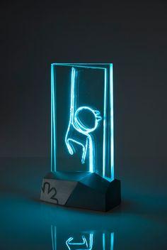 BUDAI ZSOLT JÁNOS: Lighting glass present