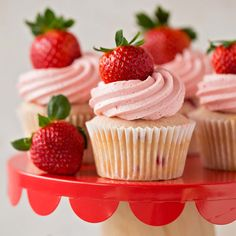 Strawberry Cupcakes with Strawberry White Chocolate Buttercream   ChicChicFindings.etsy.com