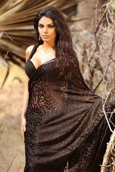 Black lace saree. Love!