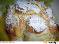 Pochoutková žemlovka Slovak Recipes, Czech Recipes, Sweet Pastries, Bellisima, Camembert Cheese, French Toast, Food And Drink, Ice Cream, Yummy Food