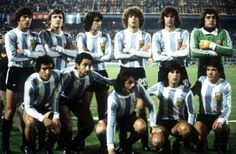 Team foto lineup of Argentina's national football team at Rosario's Central stadium prior to the 1978 FIFA World Cup match of the second final round. Argentina Team, Argentina World Cup, Argentina Football, Argentina National Team, Football Is Life, World Football, Sport Football, Football Squads, Legends Football