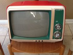 Vintage Mid Century Modern General Electric Television Set Cool Retro Colors by atomicancient on Etsy https://www.etsy.com/listing/222725893/vintage-mid-century-modern-general