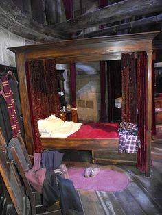 Gryffindor Common Room by CoasterMadMatt, via Flickr