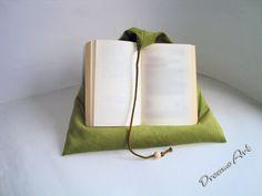 Kissen - Lesekissen , Tabletstütze - ein Designerstück von Dreams-Art bei DaWanda