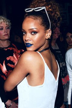Rihanna's Epic Glittery Blue Lipstick Last Night Was Actually Eyeliner  And her makeup artist told us exactly how to recreate it