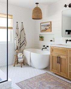 Home Decor Bedroom simple bathroom with Japanese tub.Home Decor Bedroom simple bathroom with Japanese tub Serene Bathroom, Bathroom Inspo, Beautiful Bathrooms, Bathroom Inspiration, Small Bathroom, Bathroom Ideas, Master Bathrooms, Dream Bathrooms, Master Bathroom Designs